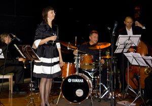Vokāliste Inga Bērziņa un mūziķi