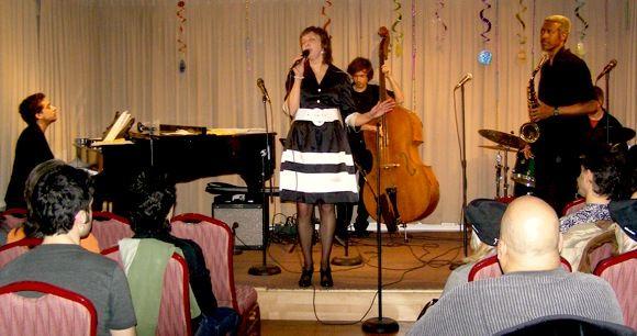 Inga Bērziņa uzstājas Ņujorkā džeza klubā Coby's Place