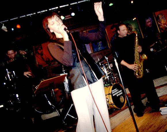 Inga Bērziņa ar Riga Groove Acoustic Hamburgā klubā Birdland