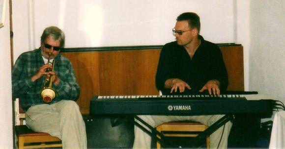 Madars Kalniņš un Gunārs Rozenbergs kopā muzicē