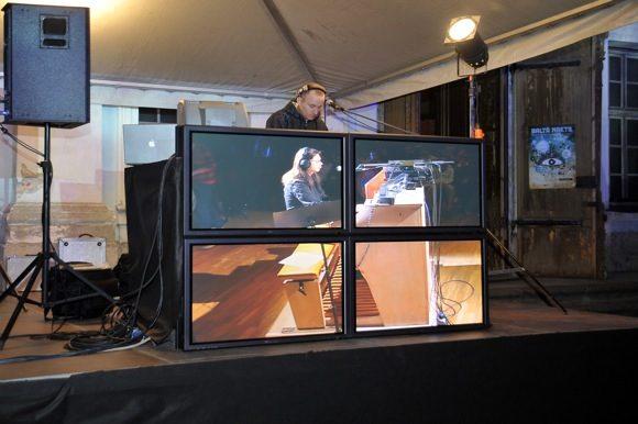 Dj Monsta un ērģelnieks Jānis Pelšs uzstājas festivāla Baltā Nakts ietvaros
