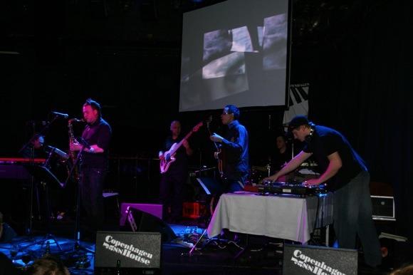 Dj Monsta uzstājas Riga Groove Electro sastāvā Jazz House Copenhagen, 2008. gadā