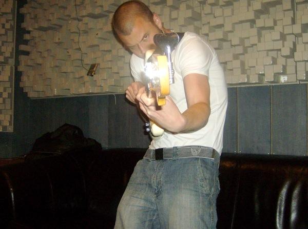 Magnus Skovdahl with electric bass