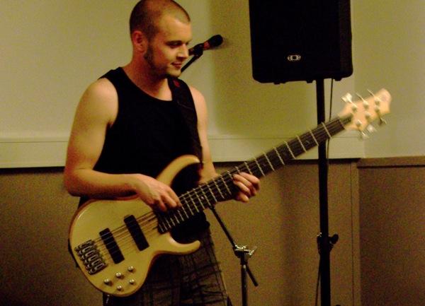 Magnus Skovdahl playing bass