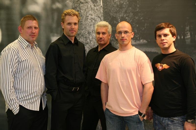 No kreisās: Andris Grunte, Viktors Ritovs, Māris Briežkalns, Gints Pabērzs, Intars Busulis