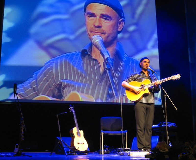 Antonio Forcione on stage in Riga