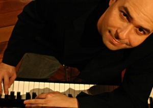 brazīliešu džeza pianists Hamleto Stamato